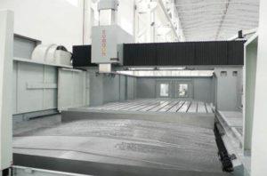 Фото стола продольно-фрезерного станка (обрабатывающего центра) с ЧПУ Eumach DVM-4035